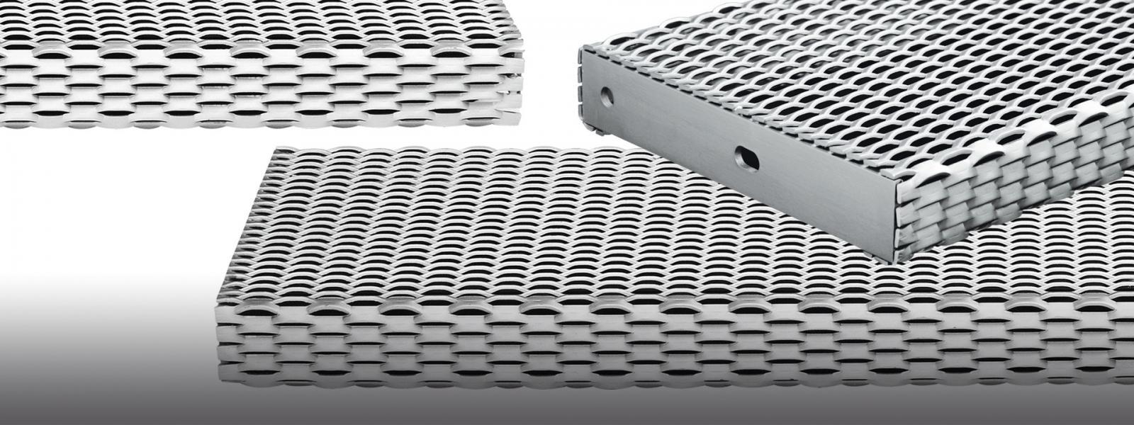 Metal mesh stair treads and landings - Antislip