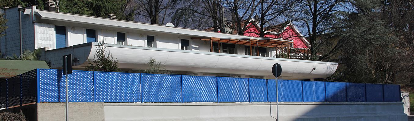 Recinzione Ambasciata - Lamiera stirata Blu