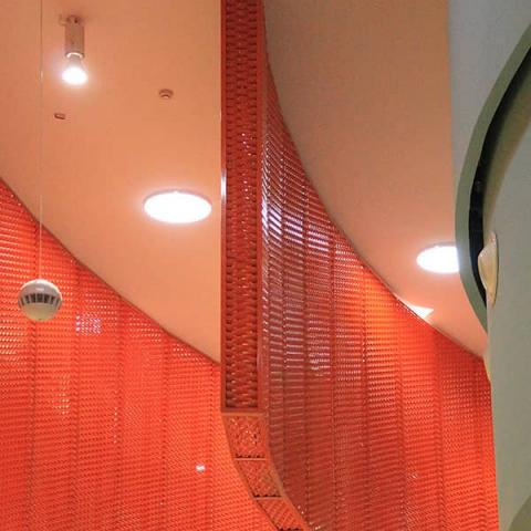 Lamiera stirata arancio per controsoffittatura Conca d'oro foto 3