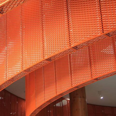 Lamiera stirata arancio per controsoffittatura Conca d'oro foto 7