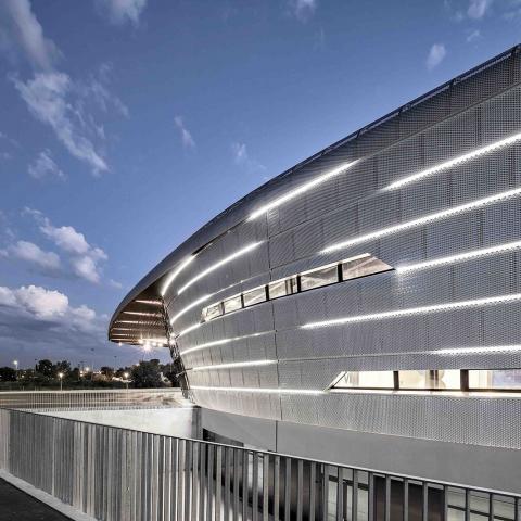 Facciata metallica Azur Arena